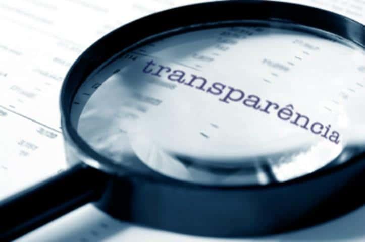 Mais democracia, independência e transparência