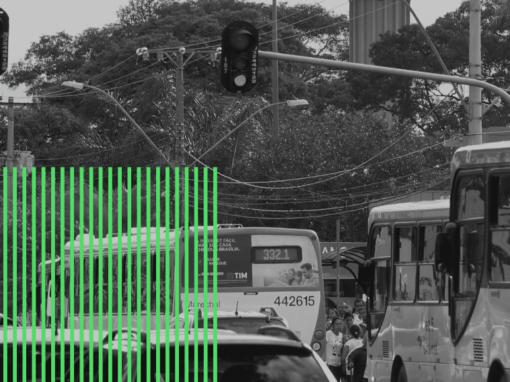 O direito à imobilidade na cidade congestionada apinhada de carros
