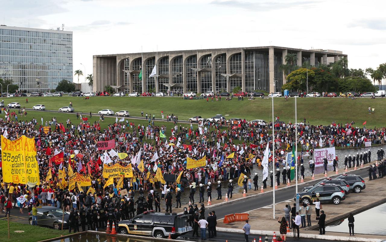 Queremos medidas que assegurem o direito à livre manifestação em Brasília!