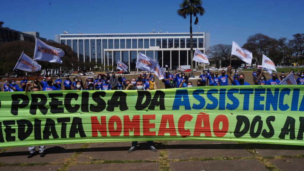 Fábio Felix solicita nomeação dos concursados da SEDES em reunião com secretário da Casa Civil