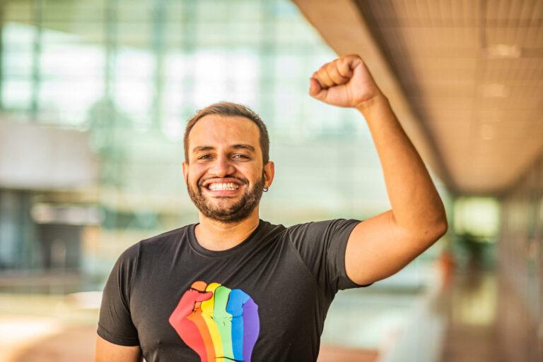 Pacote de projetos para LGBTIs é protocolado na CLDF