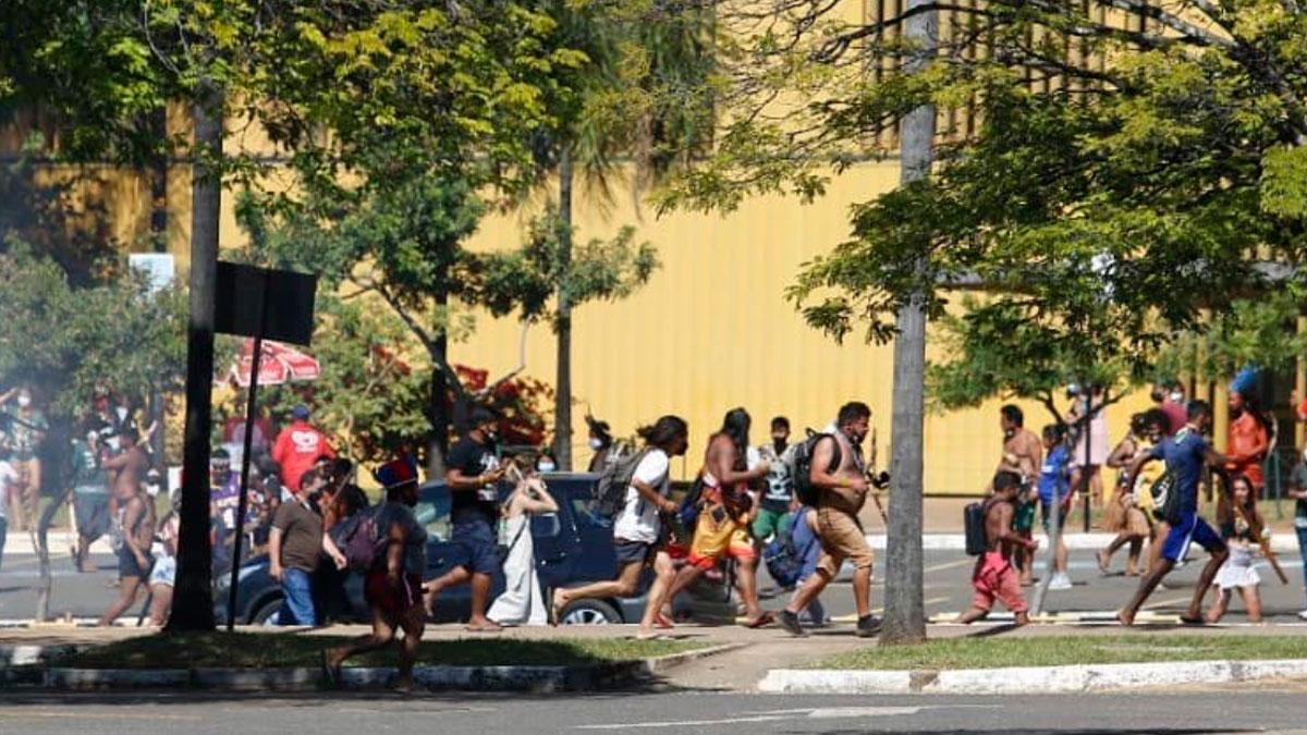 Parlamentares representam contra Ibaneis por repressão à indígenas