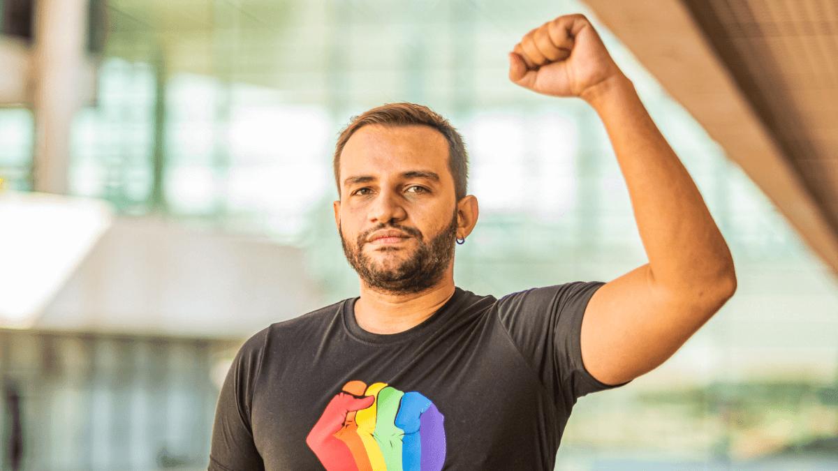 Fábio Felix denuncia Sikêra Jr. por LGBTIfobia